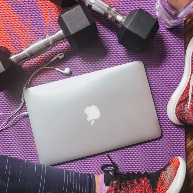 The SAH Mom's guide to online fitness