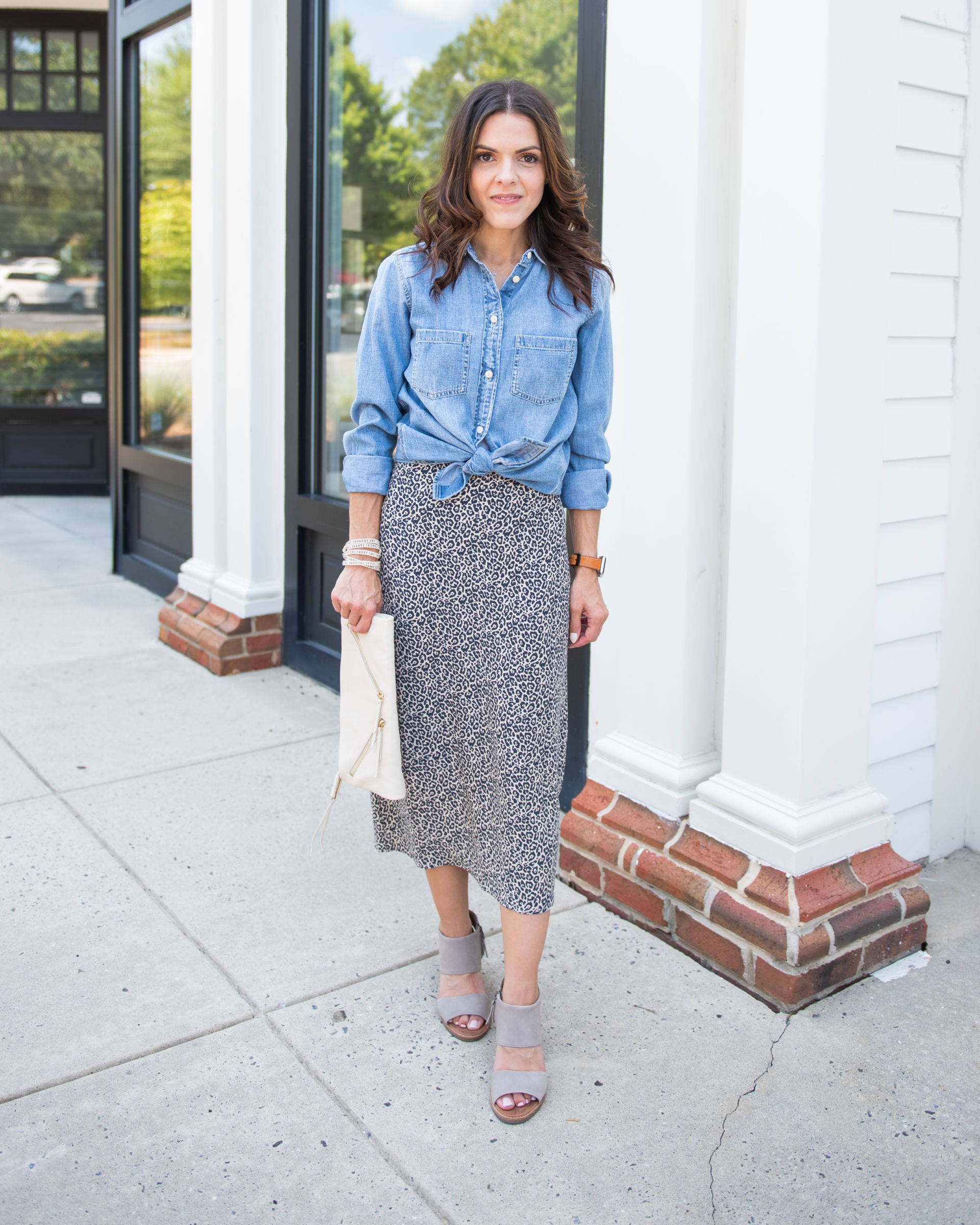 8 'out of the box' ways to style a leopard midi skirt