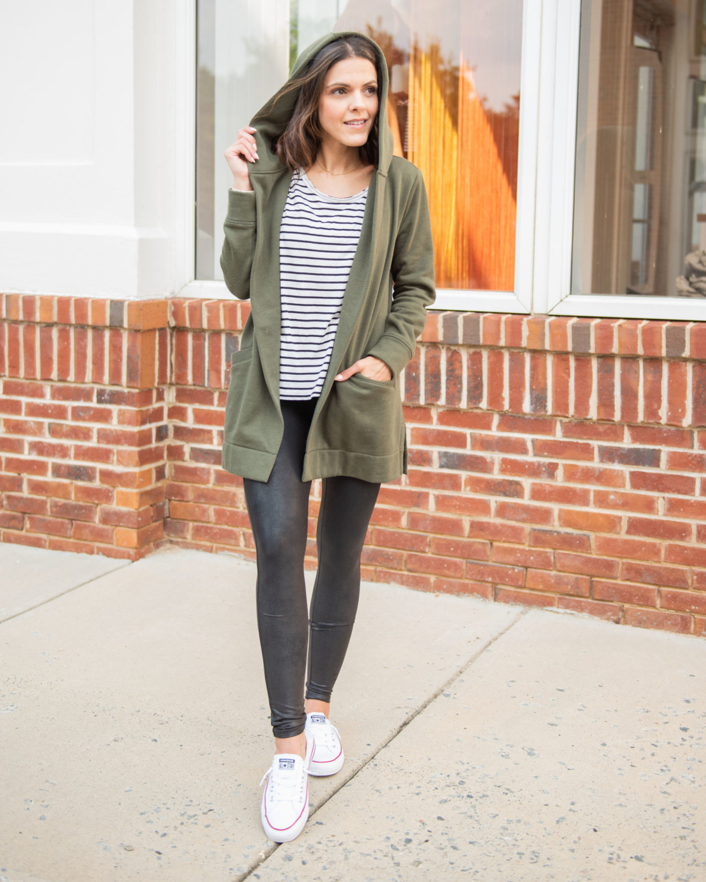 15 ways to style Faux leather leggings this Fall